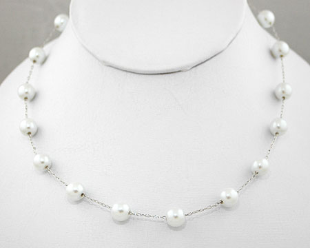 White pearl necklace on Silver (8mm)