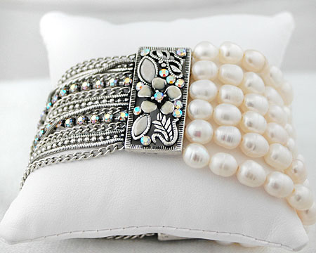 Lace Color Pearl Stretch Bracelet on Silver Accent